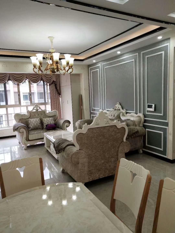 富顺西城国际5室 3厅 2卫118万元