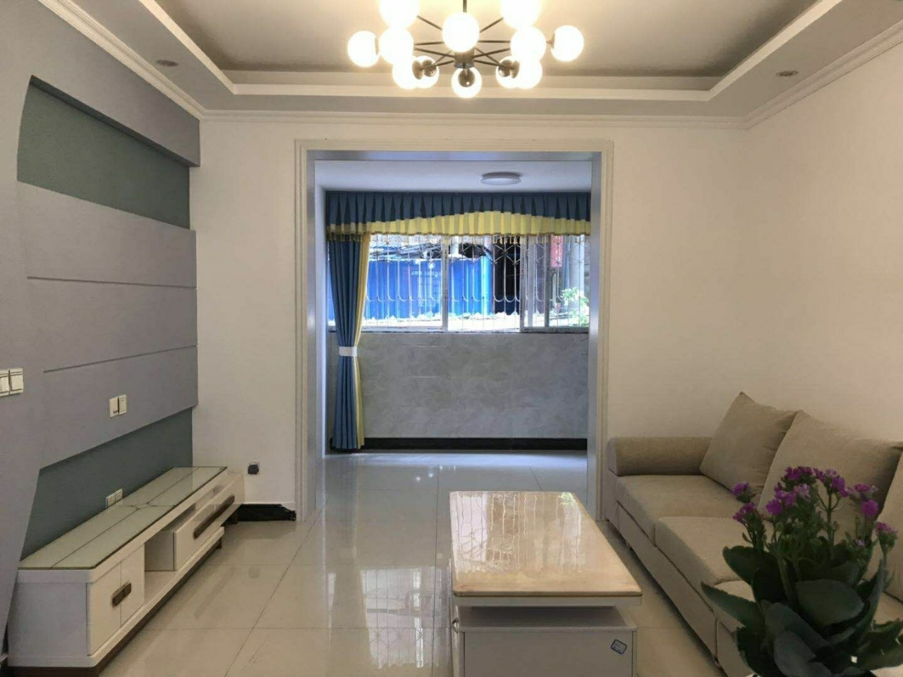 银杏嘉苑3室 2厅 1卫55.8万元