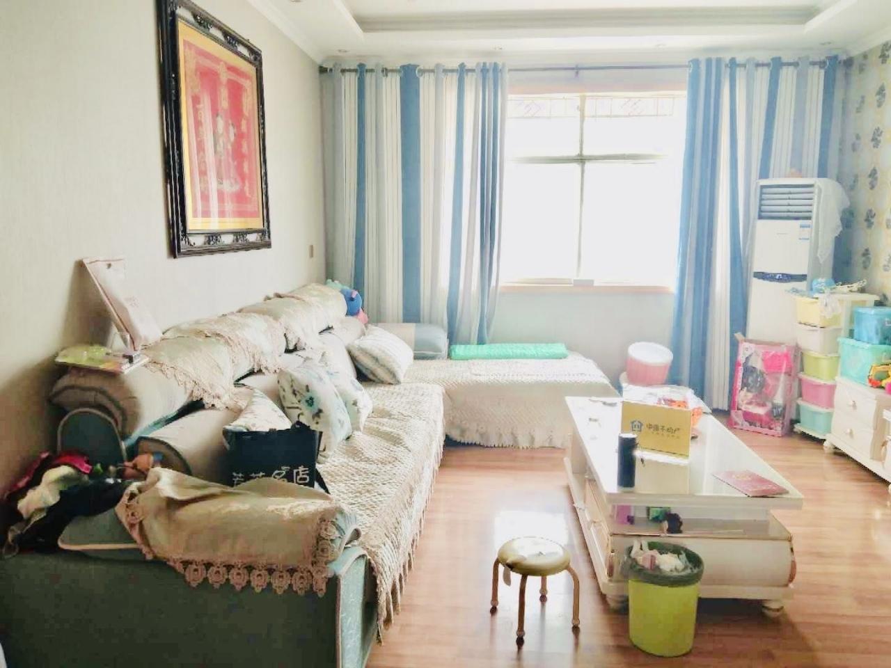 富博花园3室 2厅 1卫26万元