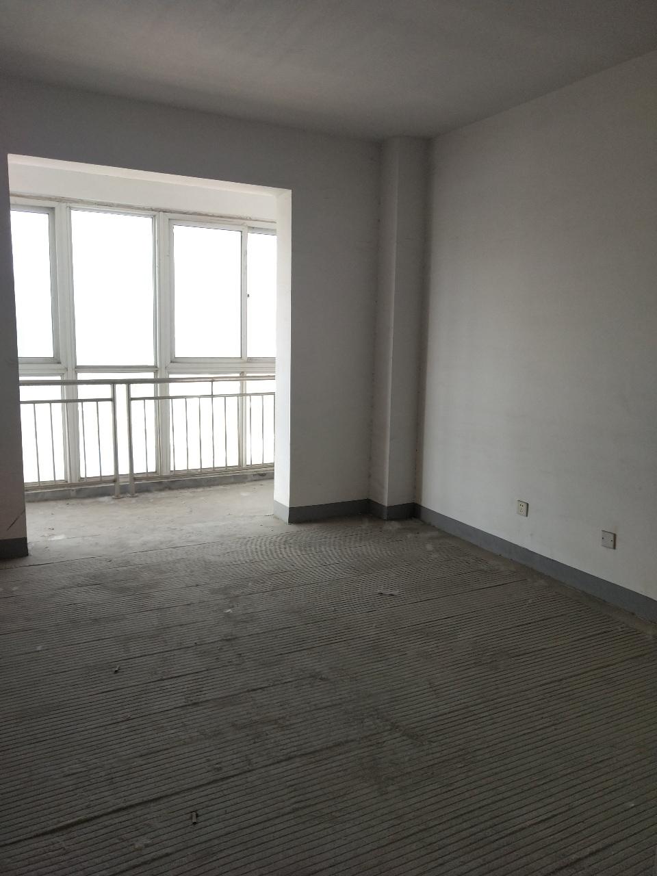 新时代小区3室 2厅 2卫65万元