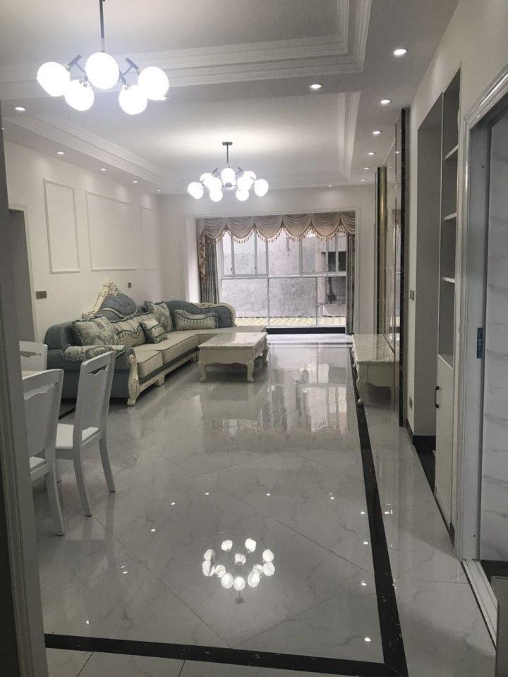 利城半岛4室 2厅 2卫65.8万元