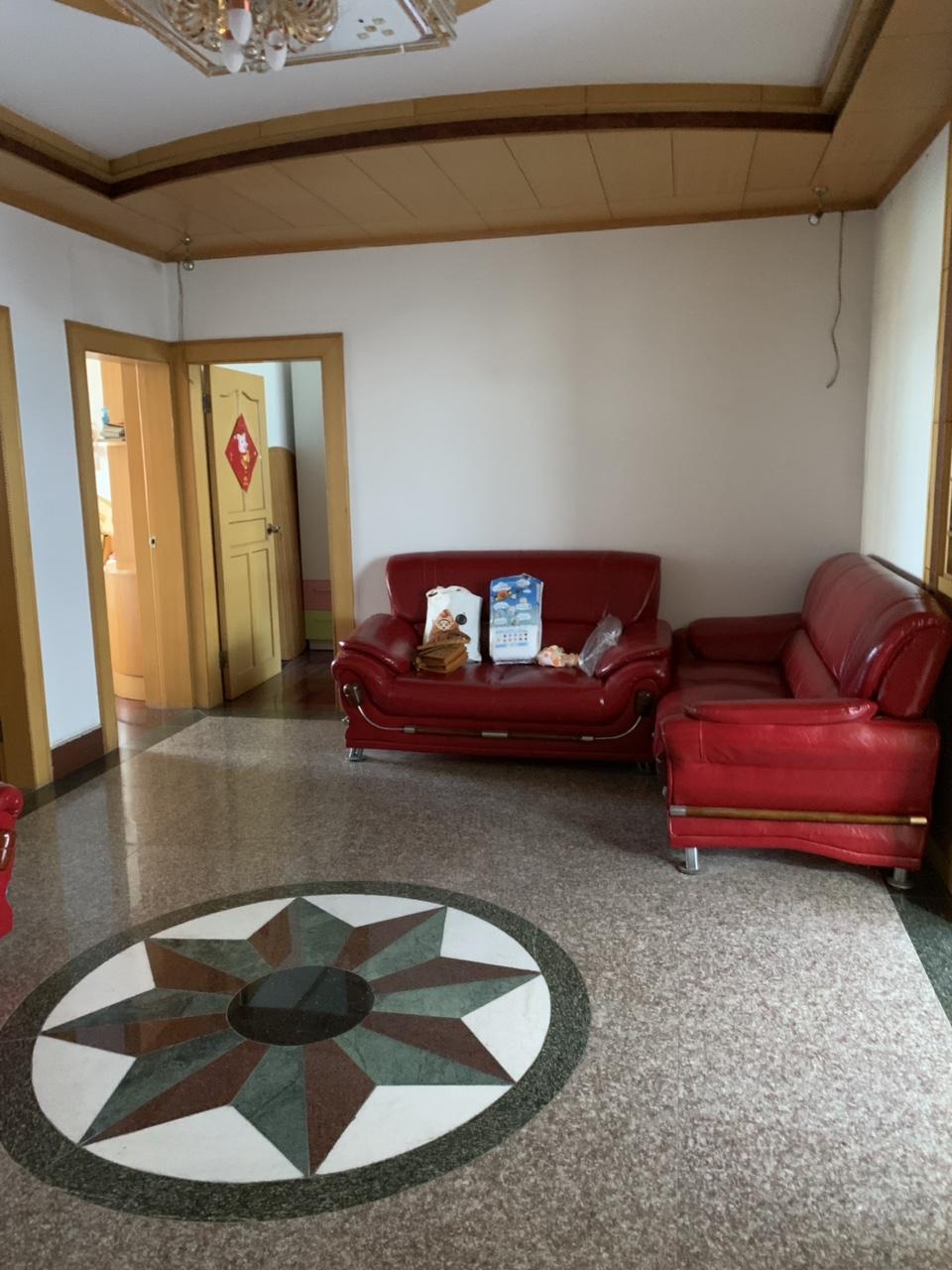 縣委東院5室 2廳 2衛52.8萬元