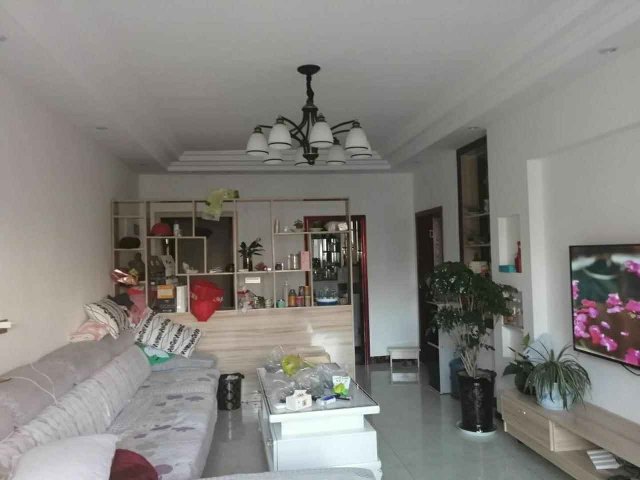 开阳县望城坡小区3室 2厅 1卫27.8万元