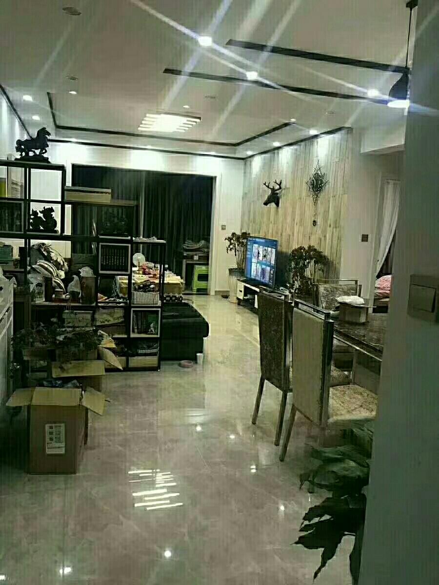 青合锦城3室 2厅 2卫84万元