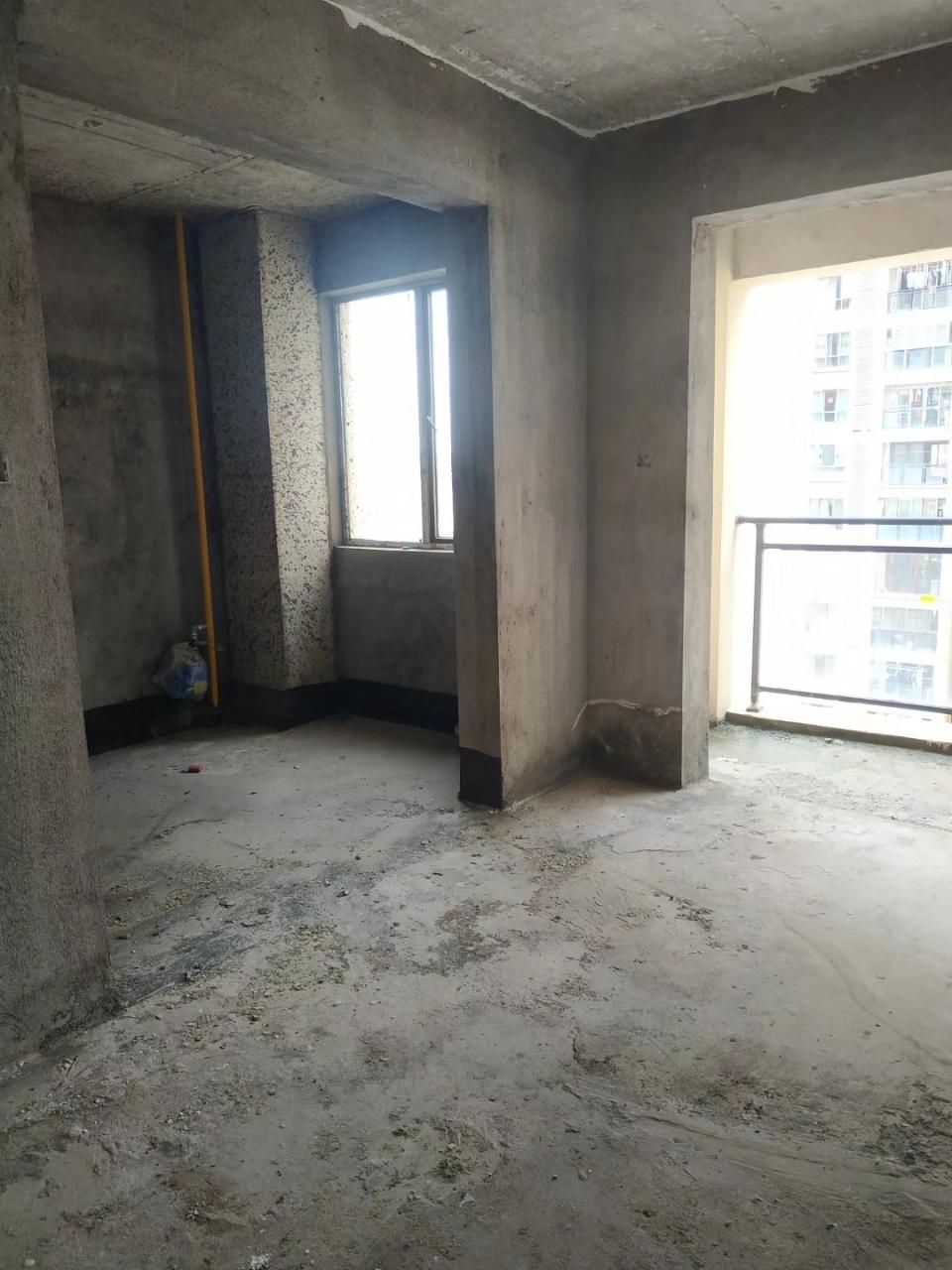 桃江龙城3室 2厅 2卫73.8万元