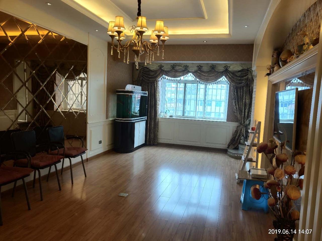 福临家园3室 2厅 1卫52万元精装修