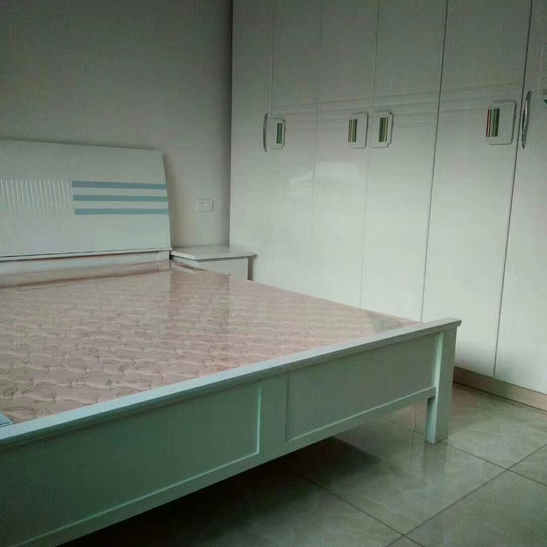时代广场2楼3室 2厅 2卫49.8万元