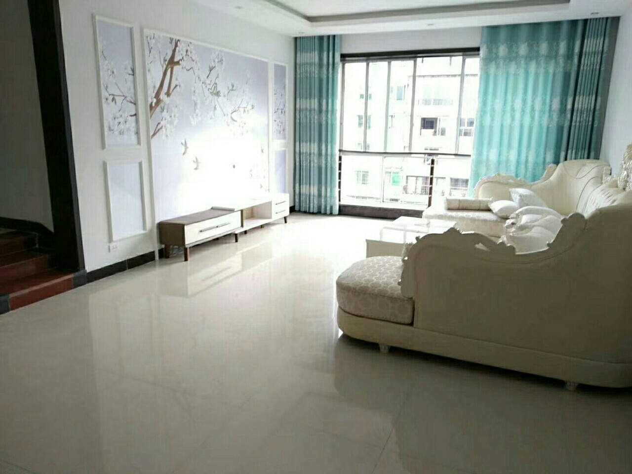 明珠花园4室 2厅 2卫63.8万元