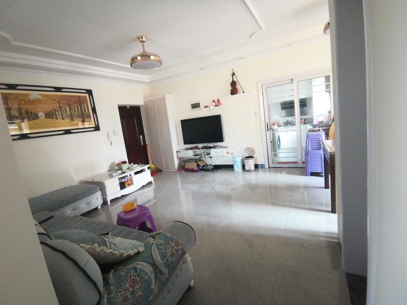 兆南熙园3室 2厅 1卫72万元