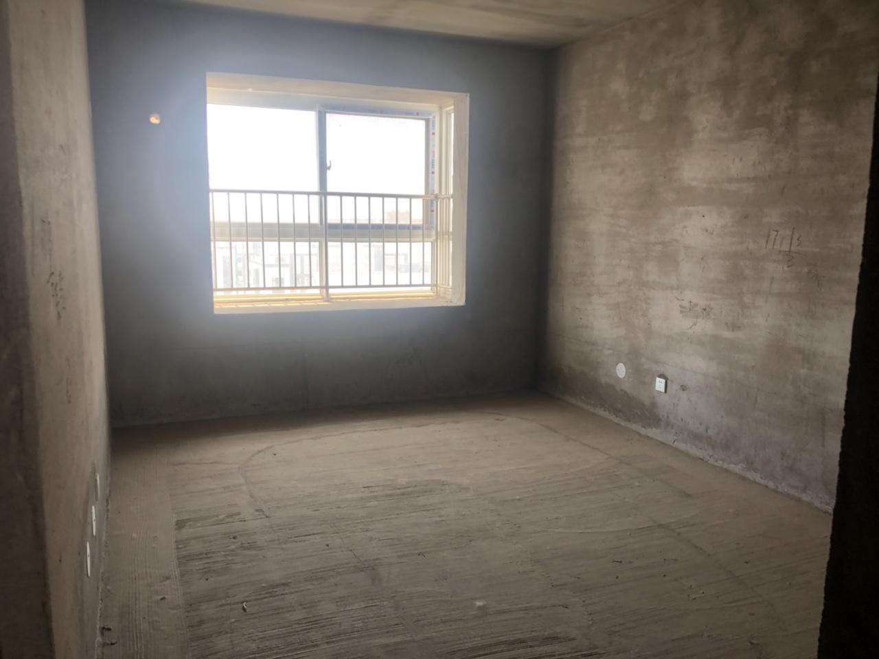 人和苑4室 2厅 2卫80万元