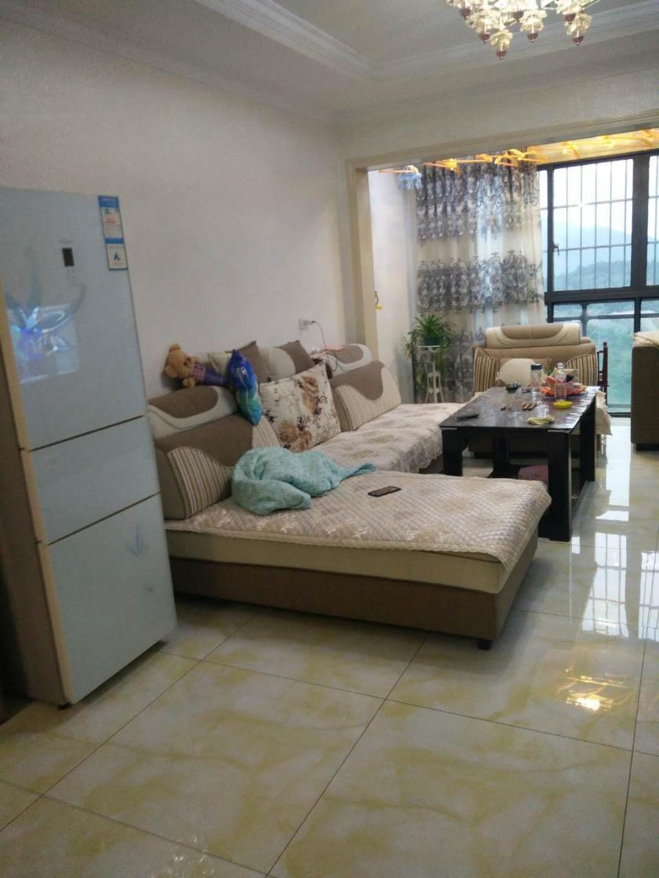 麒龙广场3室 1厅 1卫51.8万元