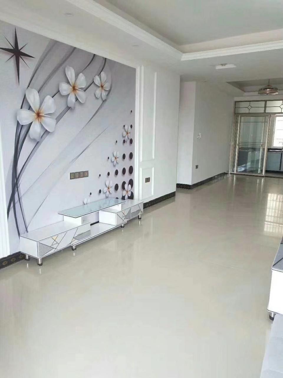 福麒山庄旁3室 2厅 2卫83.6万元