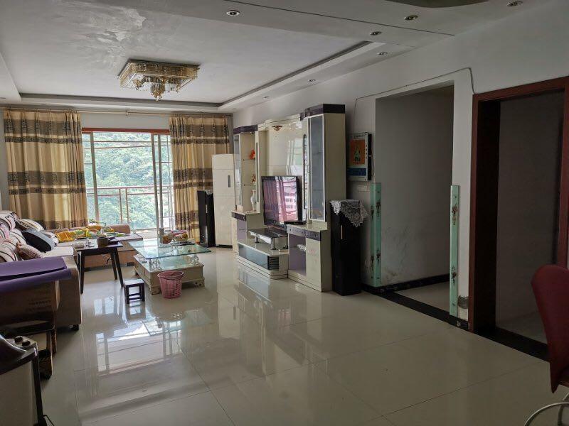 学府中央3室 2厅 2卫76.8万元