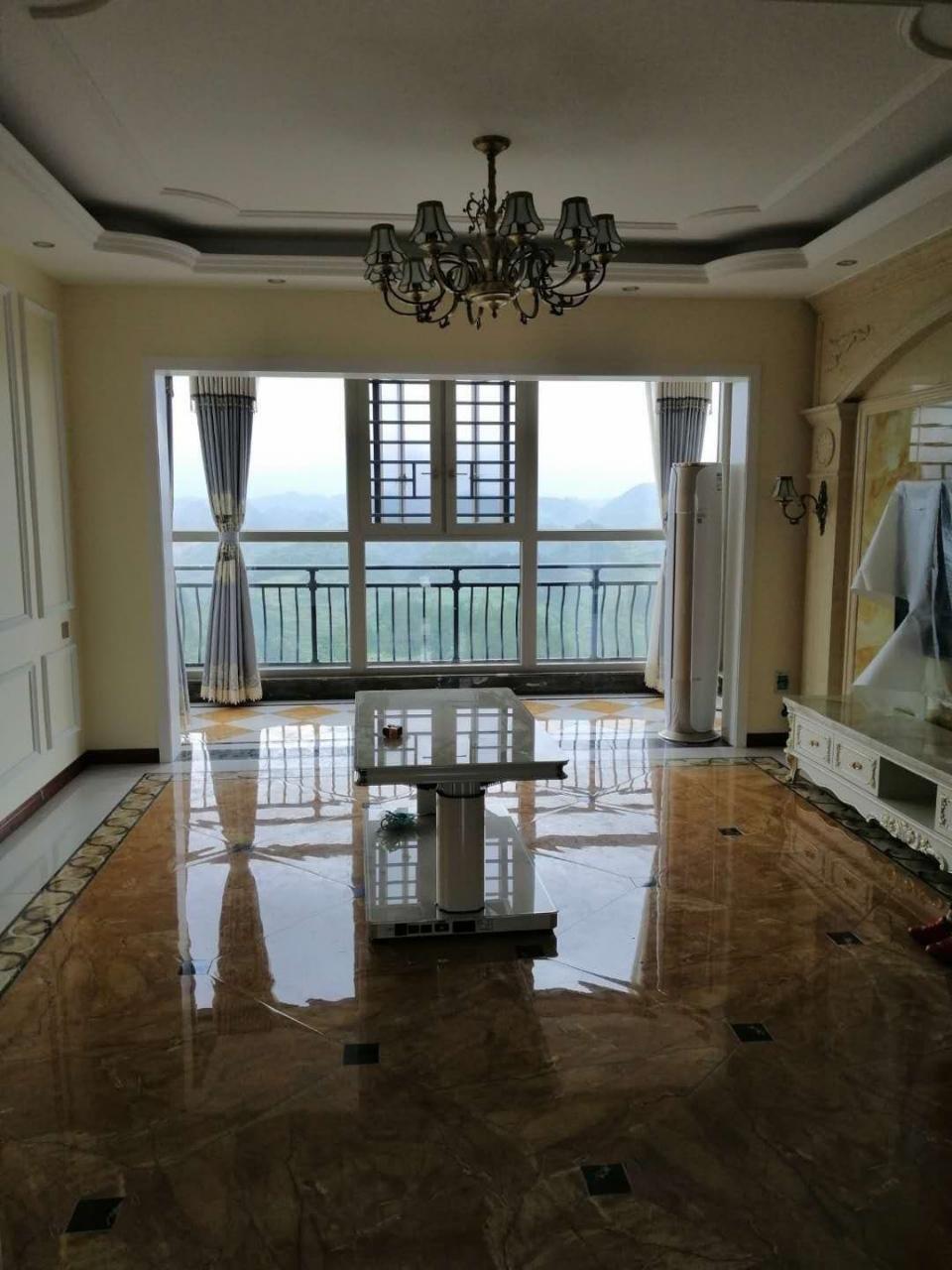 仁怀碧桂园5室 2厅 2卫145万元