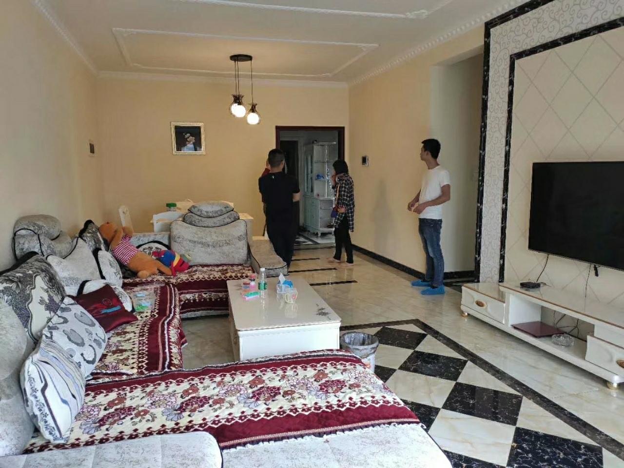 路易大地3室 2厅 2卫99.8万元