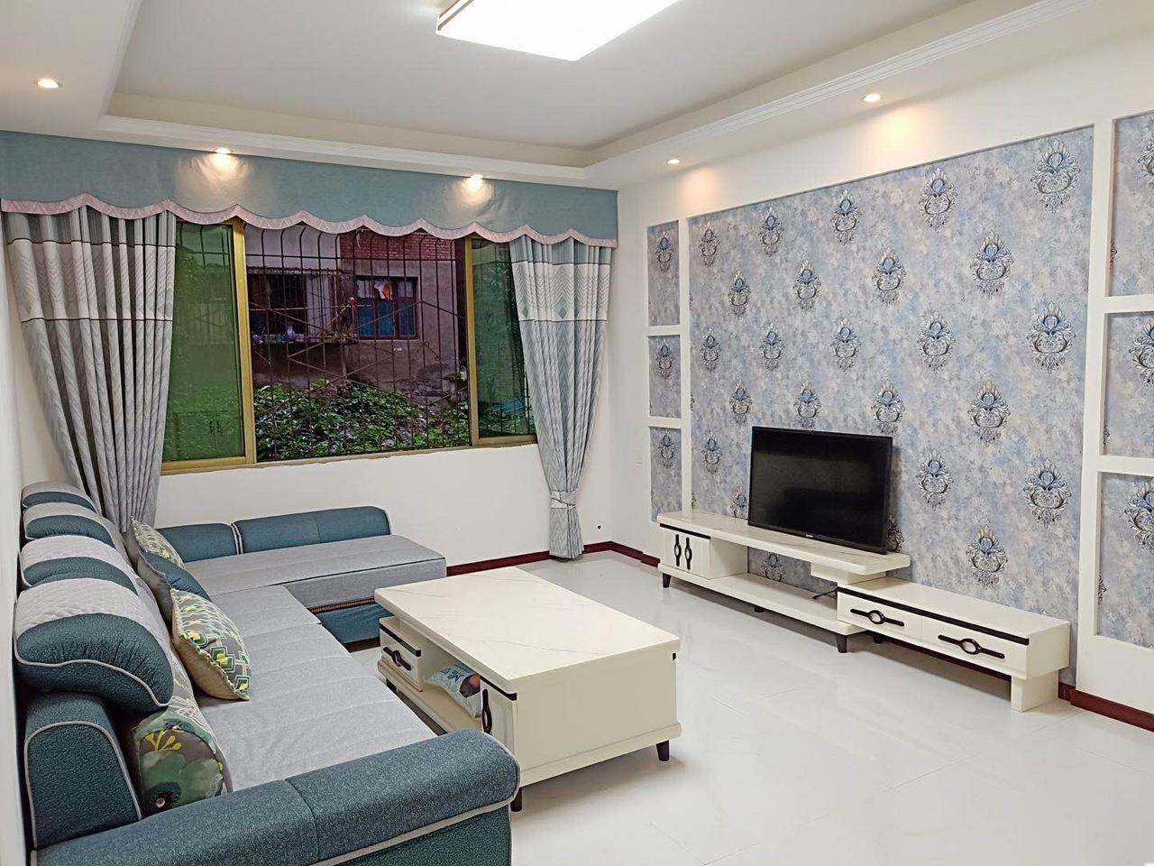 义园街大3室 2厅 2卫45.8万元