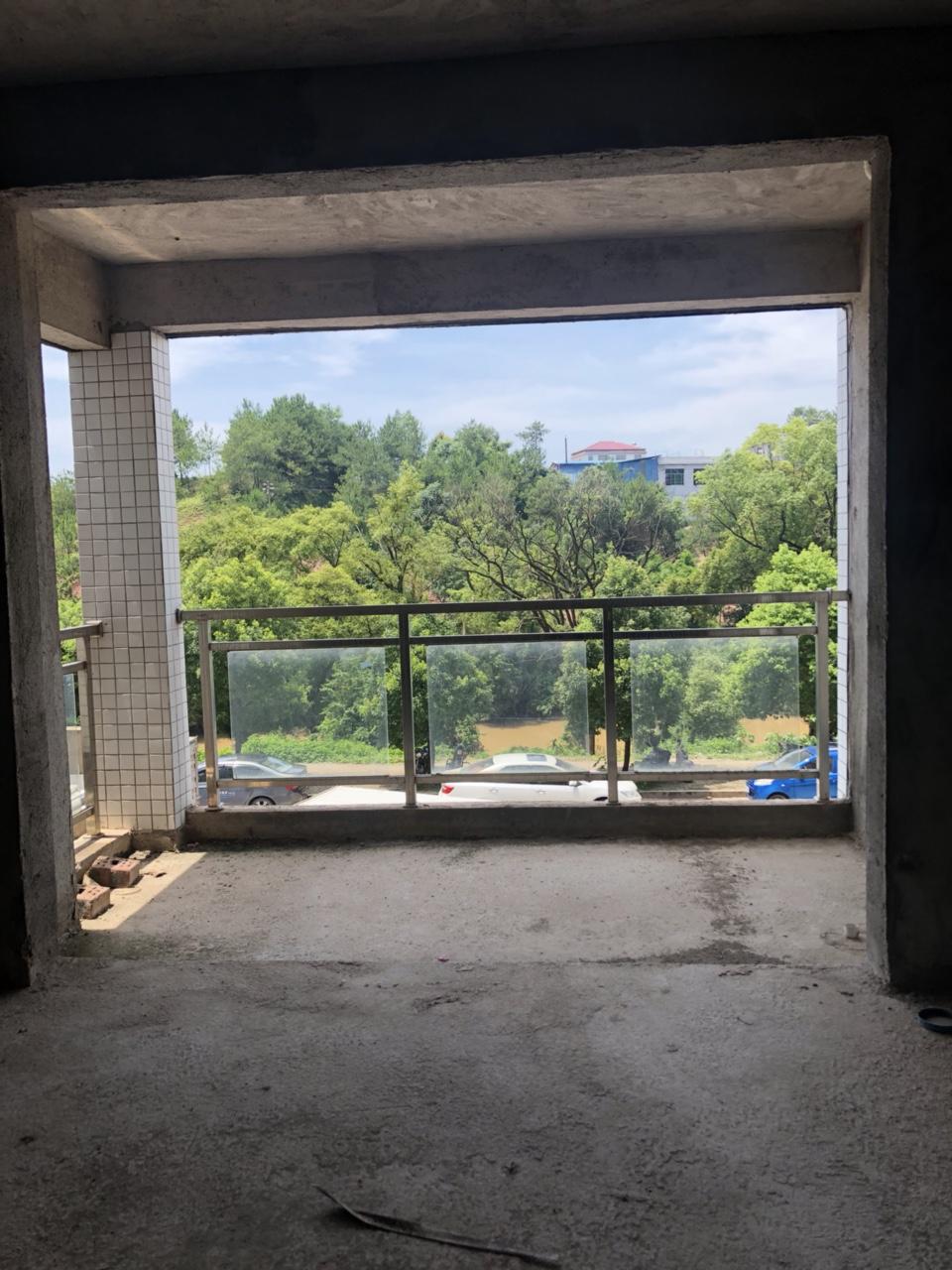搏大新城江景电梯房2室 2厅 2卫56万元