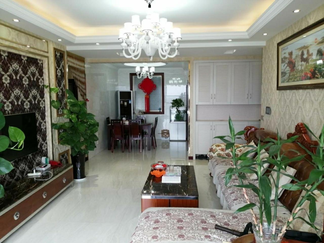 中城国际3室 2厅 2卫104.8万元