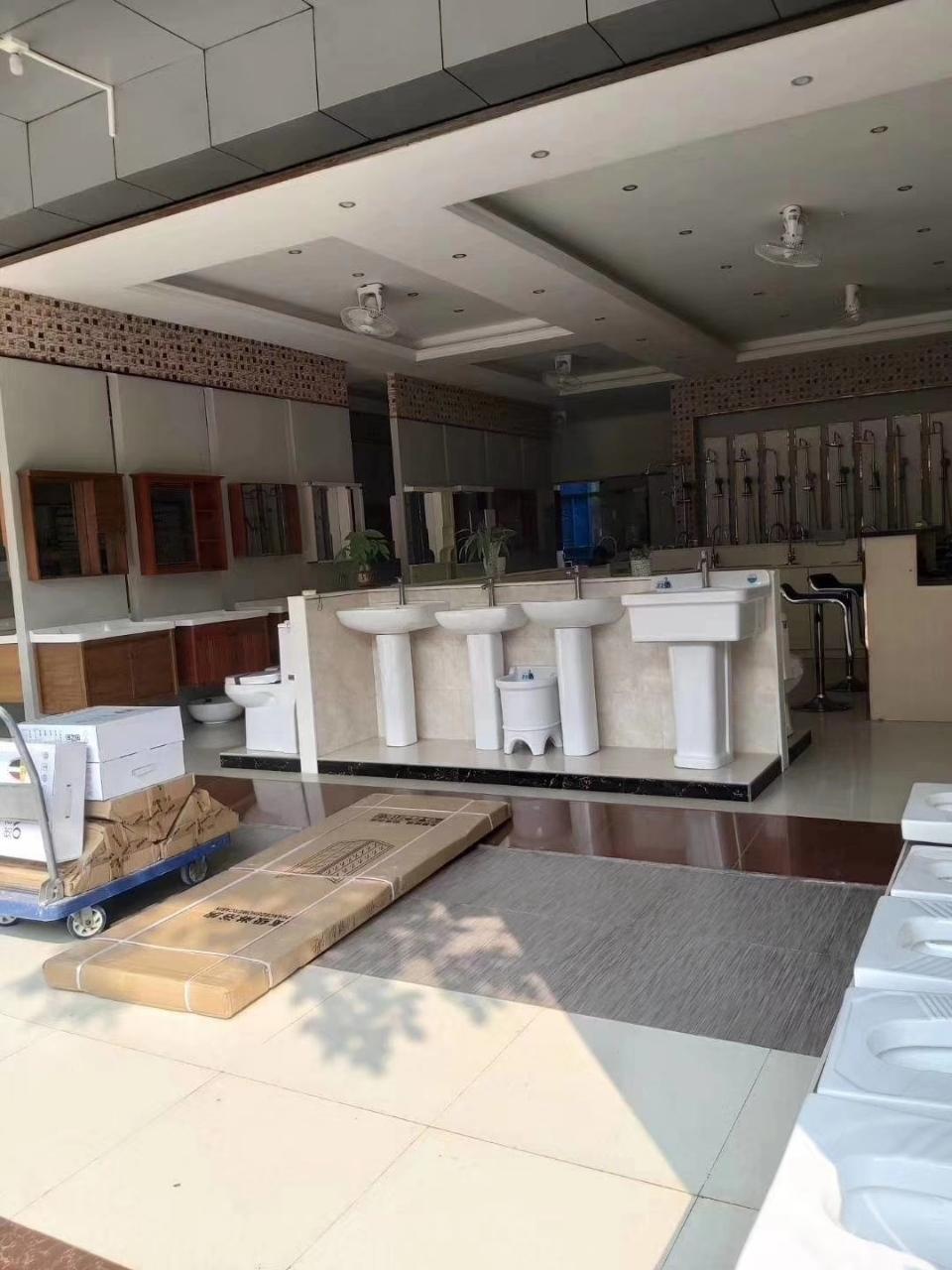 万博manbetx水晶宫琼西建材市场0室 0厅 0卫145万元