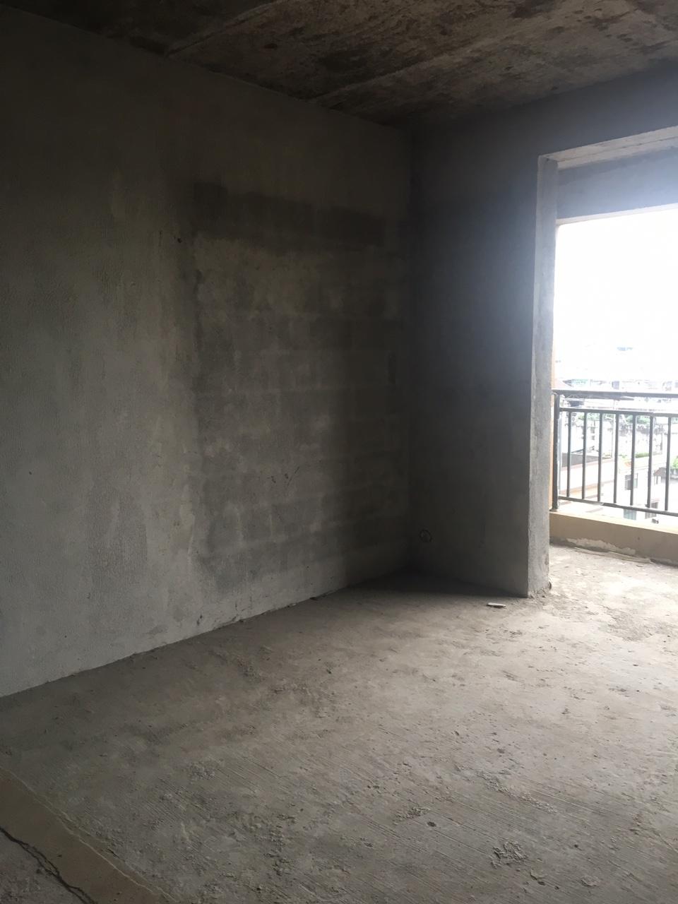 盛世广场小区3室 1厅 2卫42万元