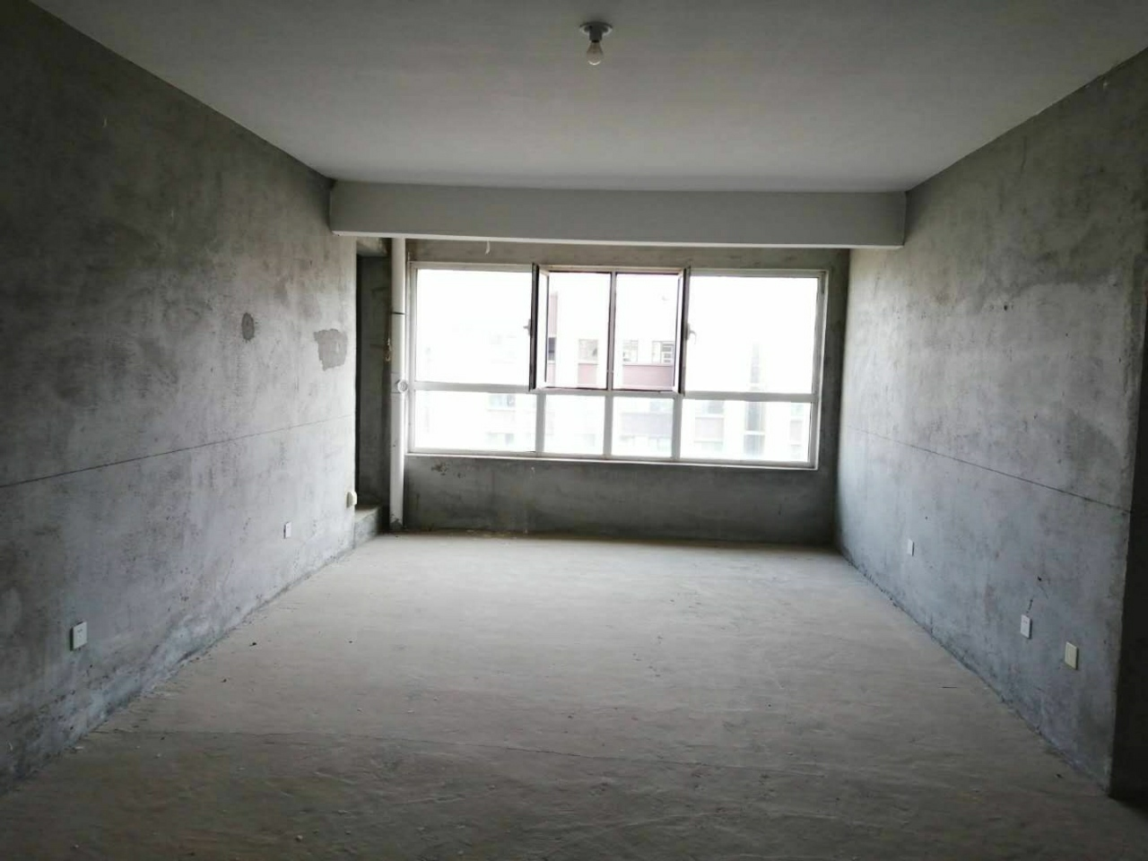 青州龙苑复式17楼!4室带车位储藏室,证全