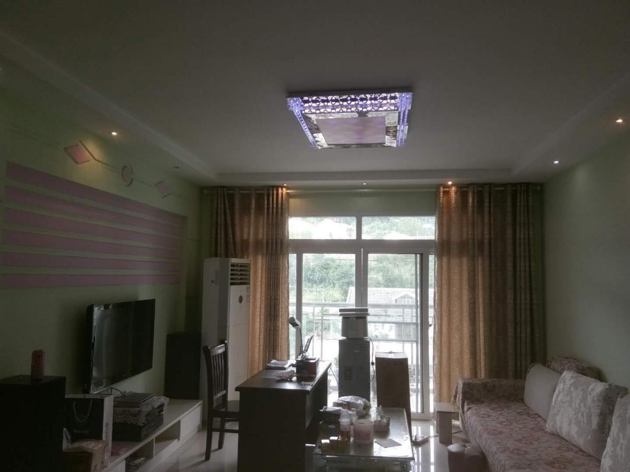 世纪五龙城3室 2厅 2卫68万元