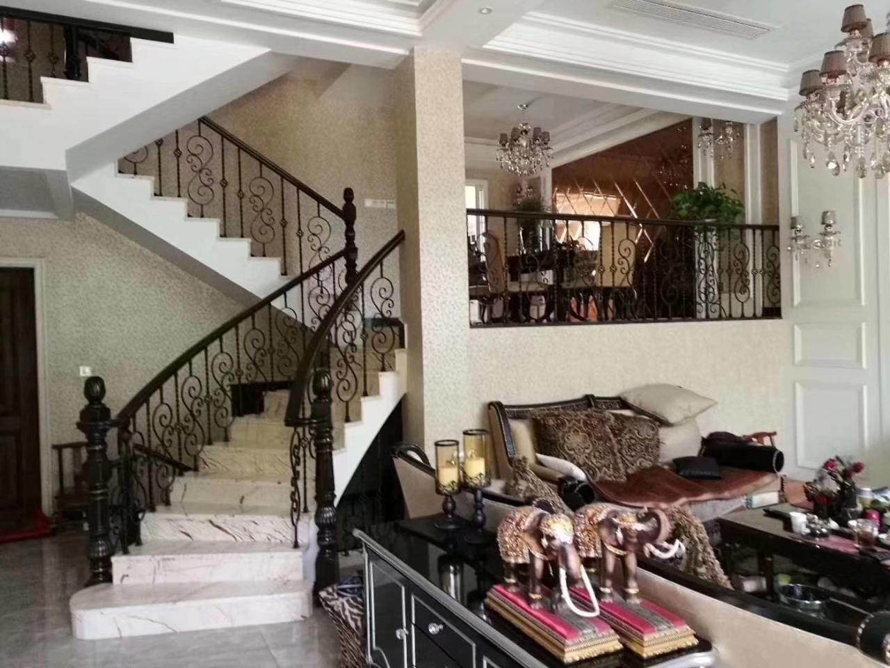 金色家园5室 2厅 3卫490万元