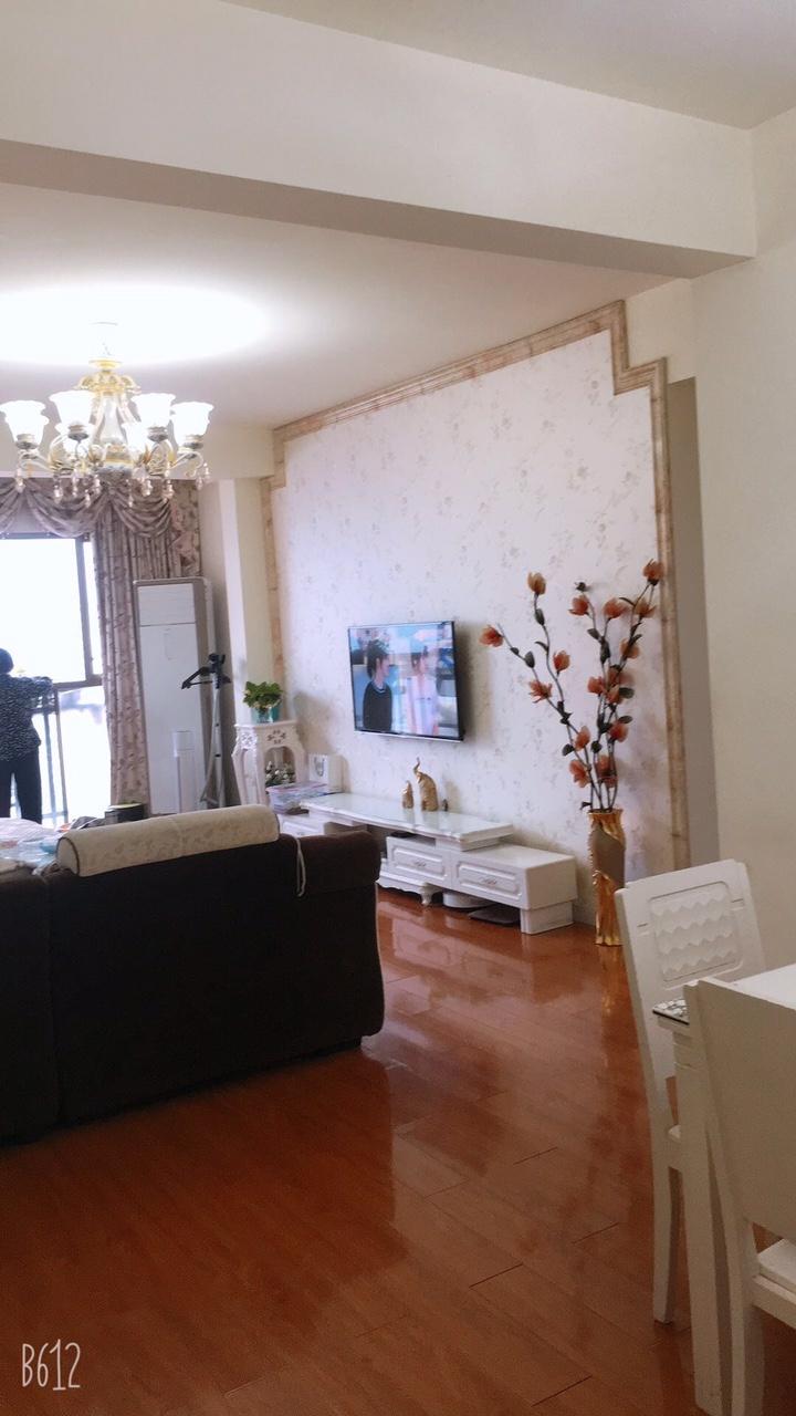 天际上城3室 2厅 1卫66.8万元