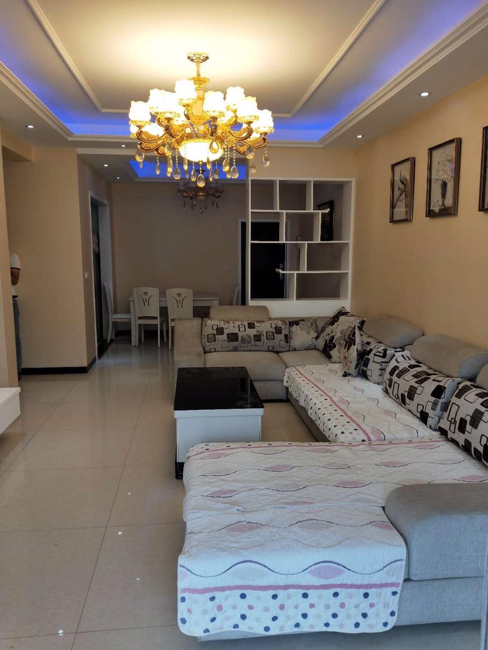 凯丽香江3室 2厅 2卫76.8万元