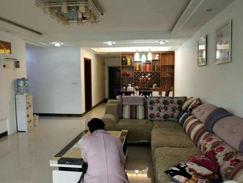 紫江花园3室 2厅 2卫60.8万元