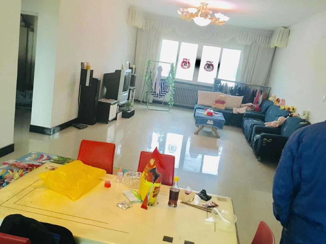 欣润房产~设计院3室 2厅 1卫40万元