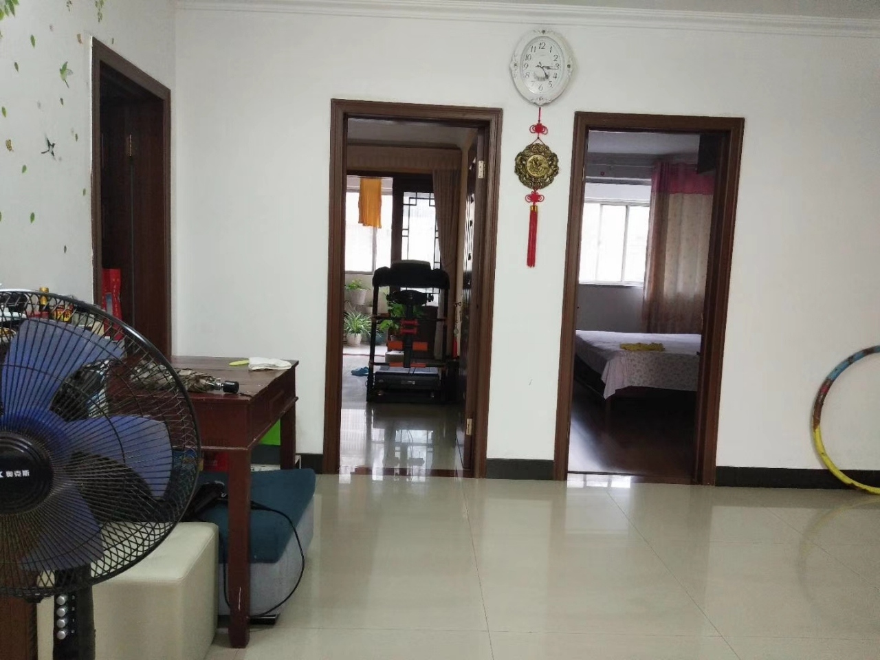 龙湖花苑3室 2厅 2卫88万元