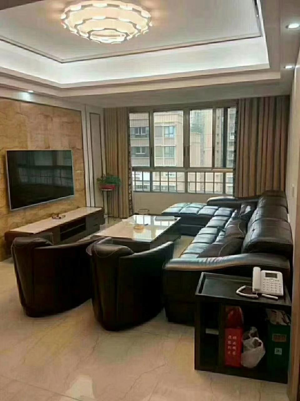 西城国际4室 3厅 3卫140万元