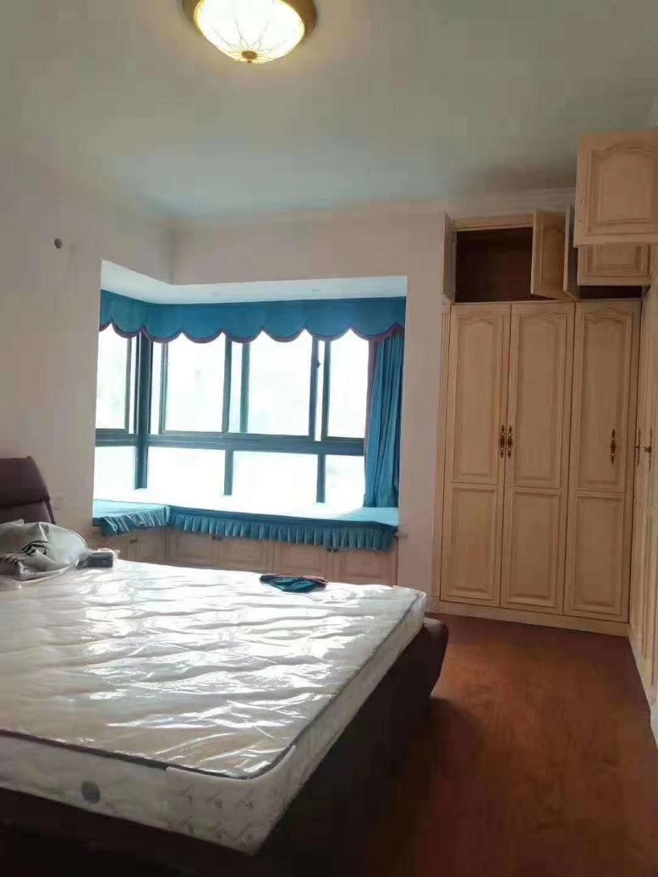 伴山国际3室 2厅 1卫88万元