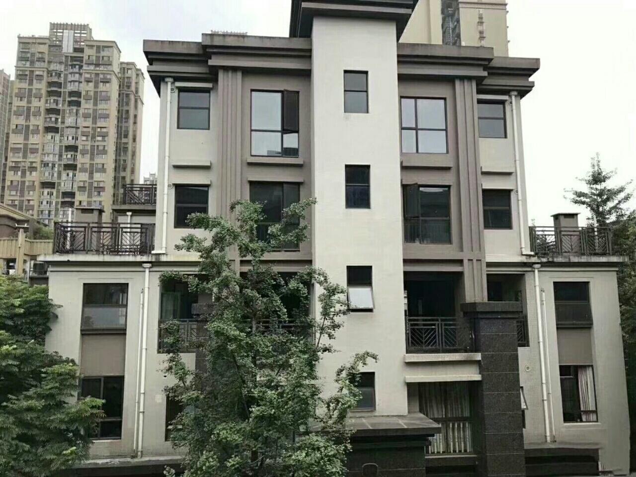 中城国际社区精美别墅5室 3厅 3卫200万元