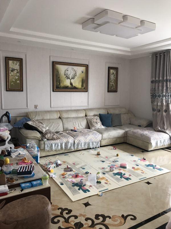水上国际花城东区3室 2厅 2卫150.8万元