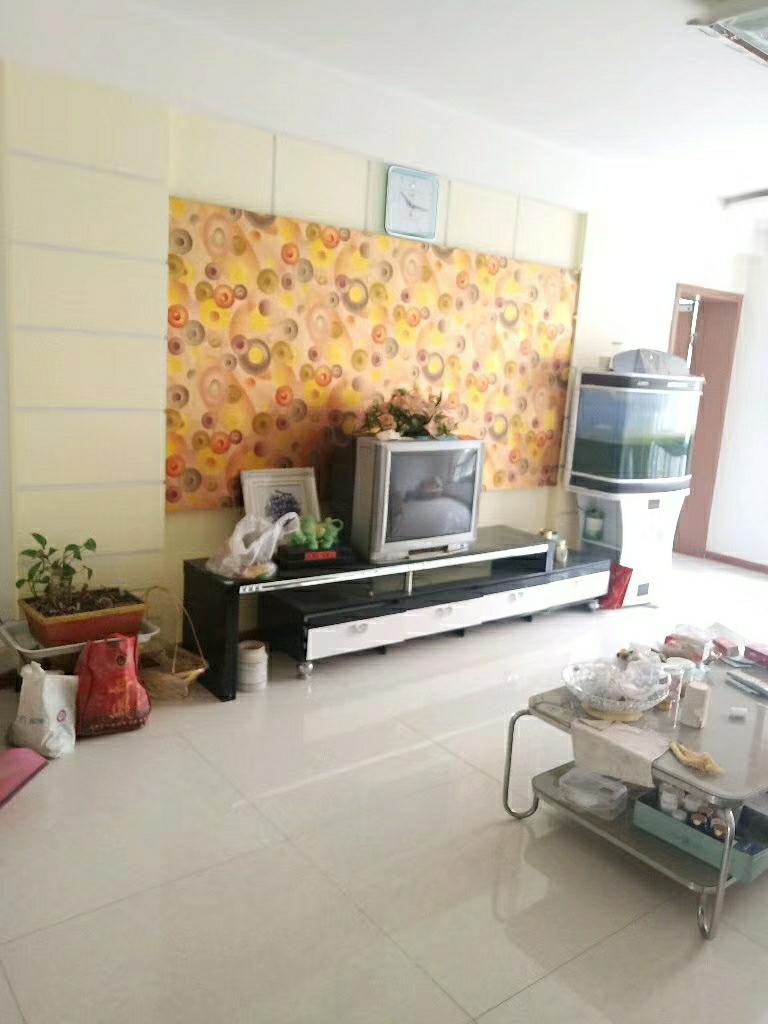紫荆花园3室 2厅 1卫63万元