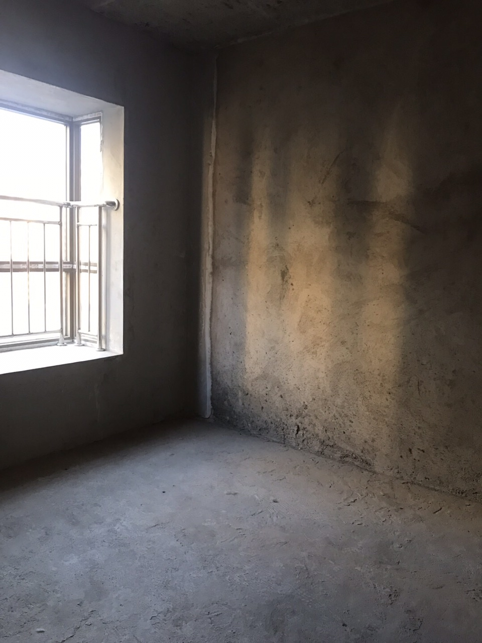 浅水湾3室 2厅 2卫52万元