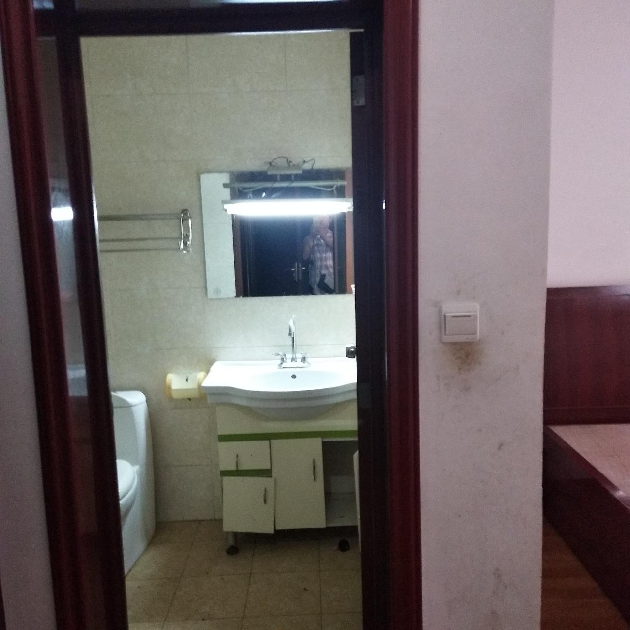 望族花园小区3室 2厅 2卫59万元