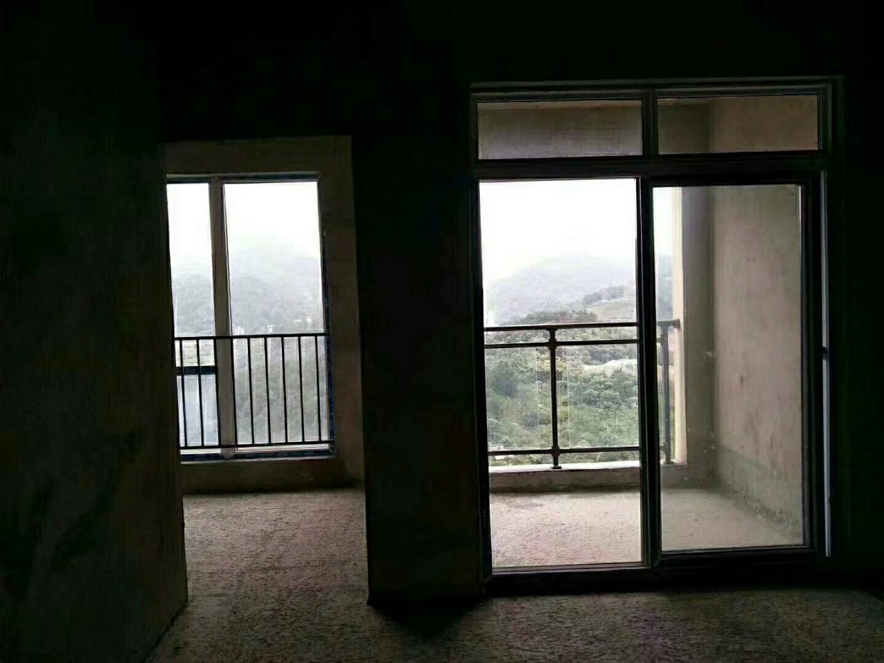 麒龙毛坯.80平.3室1厅1厨1卫+2个阳台,接受