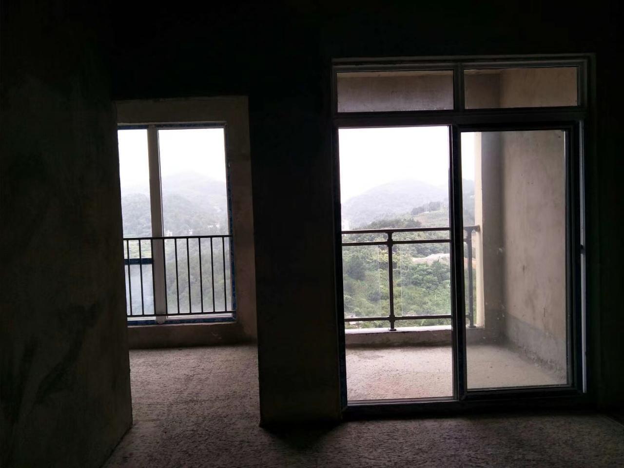麒龙城市广场3室 2厅 1卫37.8万元