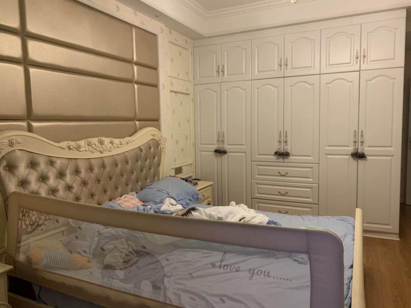 新地滨海国际3室 2厅 2卫95万元