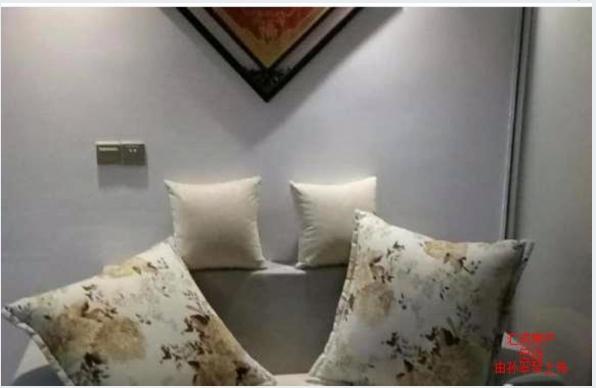 凤冠山庄1室 1厅 1卫30万元