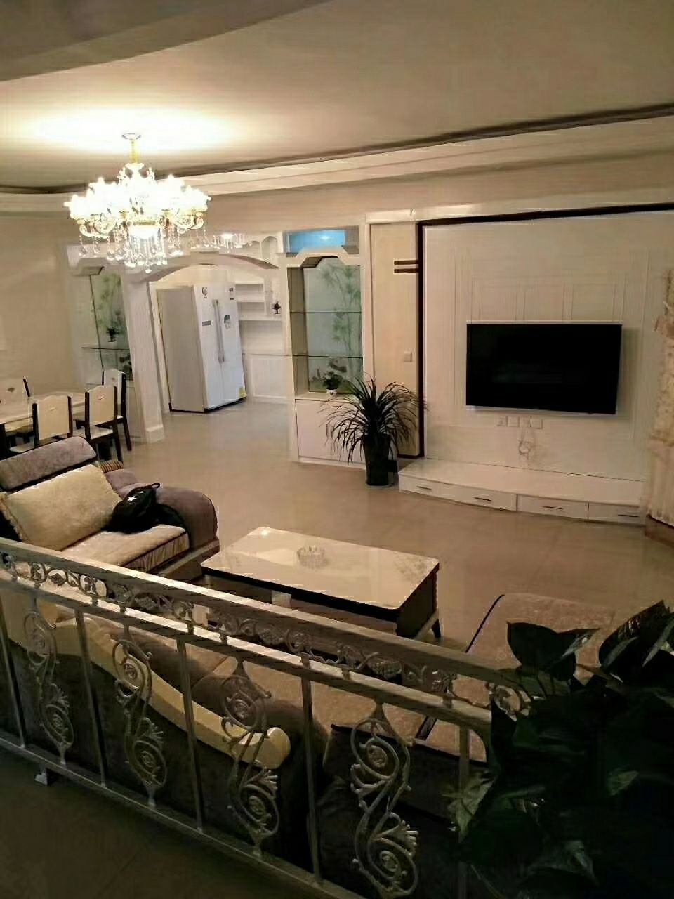 中城国际旁4室 2厅 2卫68万元