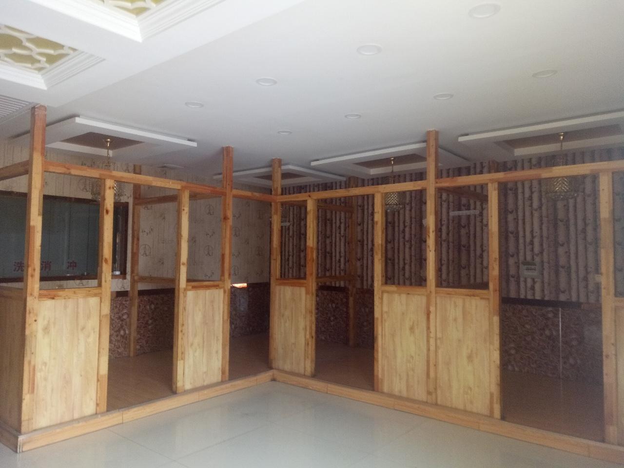 世博花园5室 1厅 1卫4万元