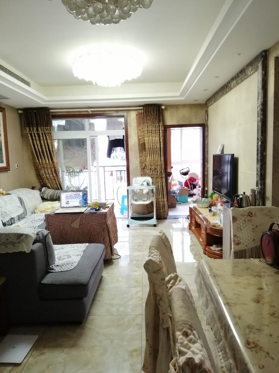 阳光花园4室 2厅 2卫82万元精装修户型好