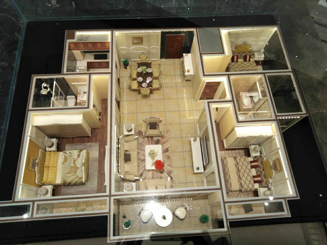 轩华大厦3室 2厅 2卫35万元