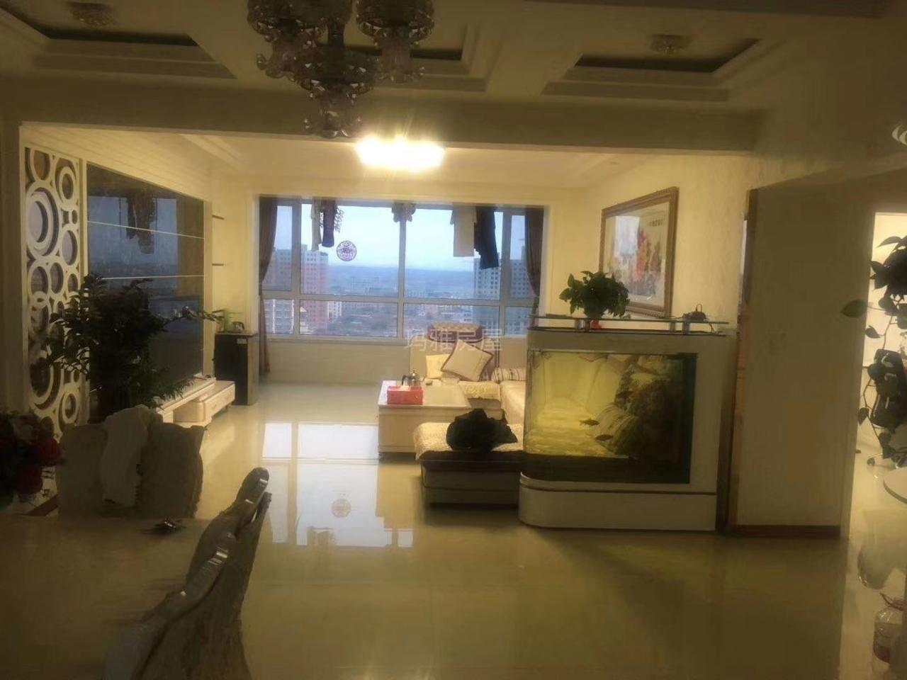 和谐佳苑 136平 3室 2厅 1卫65万元