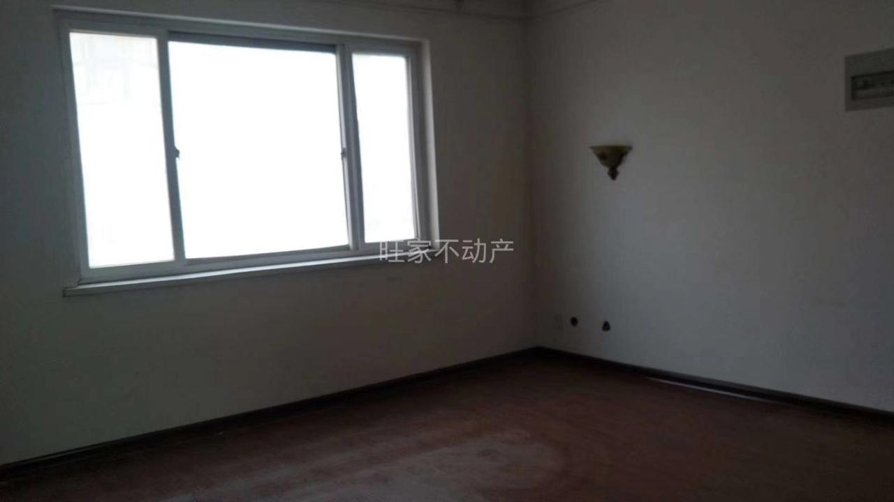 安泰家苑3室 1厅 2卫27万元