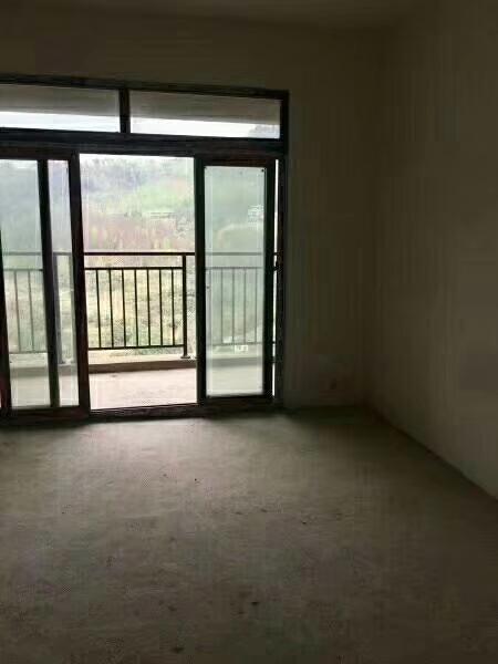 伴山国际3室 2厅 2卫66.8万元